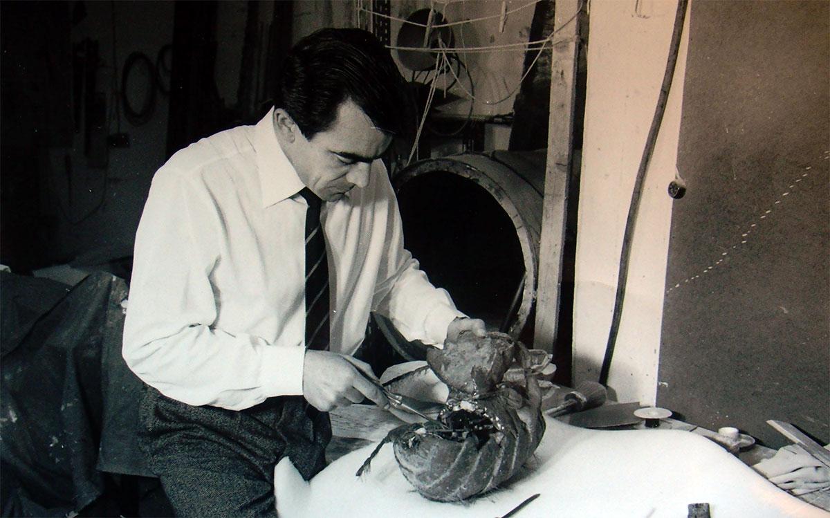 Carlo-nel-suo-laboratorio-a-Roma-1958