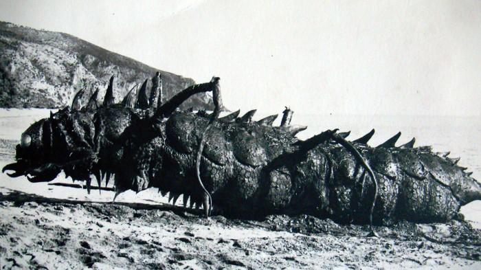 Film-Ercole-e-la-principessa-di-Troia-1965-realizzazione-di-mostro-marino