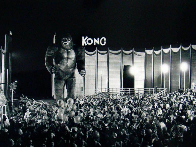 Kong gigante sul set
