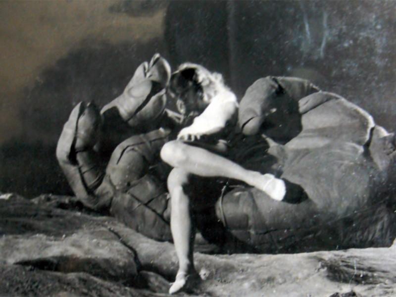 Prove di carico della mano gigante di Kong