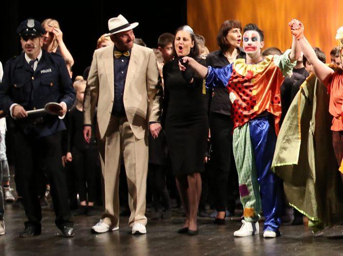 Chi-ha-rubato-il-naso-a-Pinocchio-al-TeatroComunale-Ferrara-maggio2018-fotoValerioPazziVAPA1040-670x500