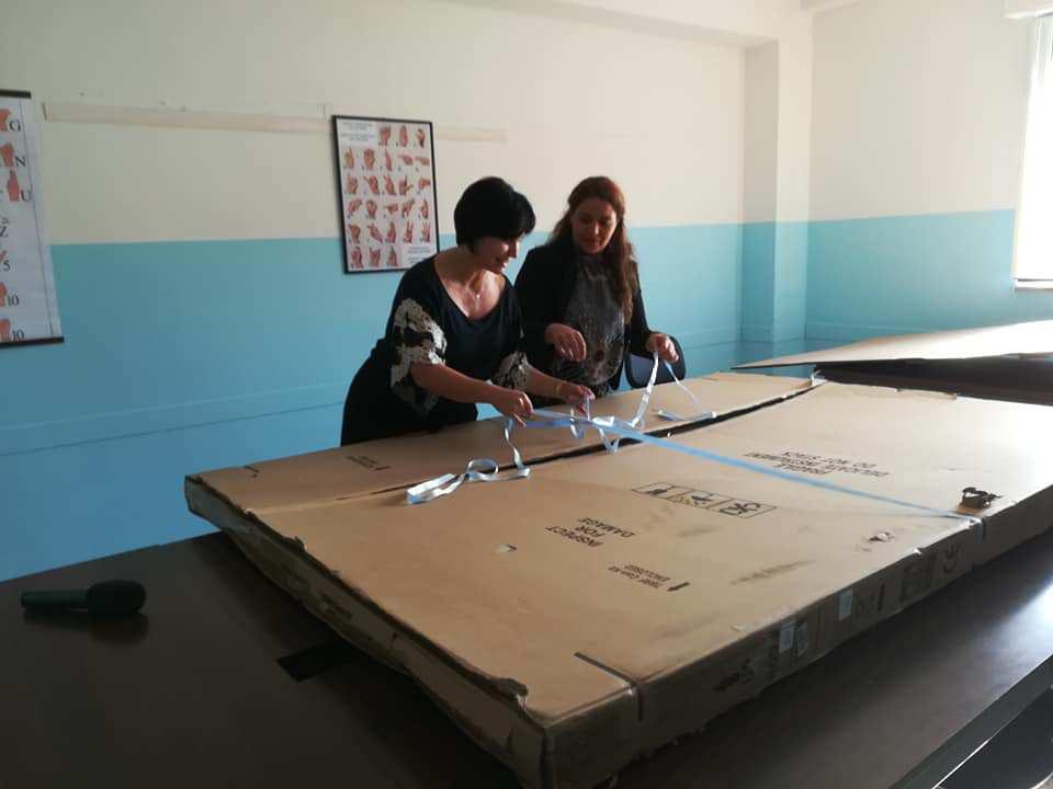 fondazione dona a imaginarium una lavagna