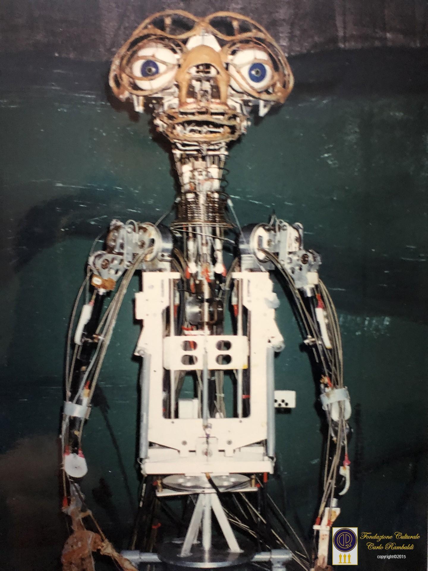foto scheletro ET mostra